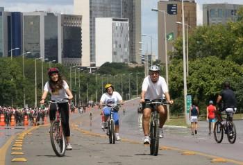 """O Eixão do Lazer, em Brasília, é uma """"ciclovia operacional"""". Foto: Wilson Pedrosa/AE"""