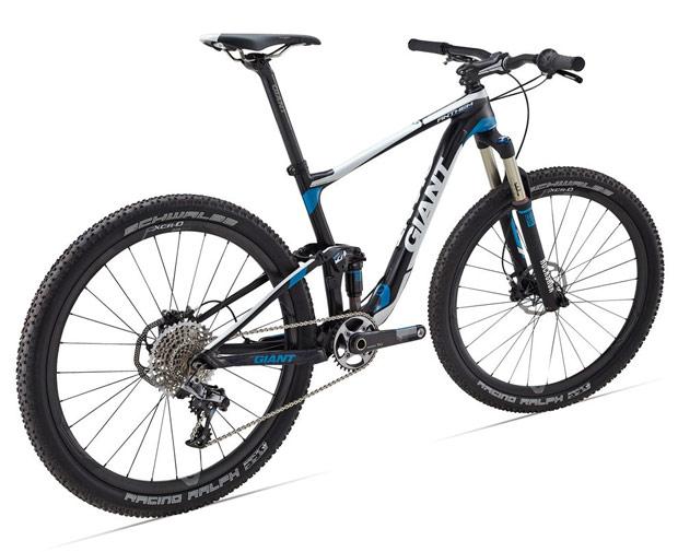 A Giant é um dos mais importantes fabricantes de bicicletas do mundo e sem  dúvida, um dos que apostam mais firmemente no novo formato de rodas 650B  (27,5 ... 88d7ec38bb