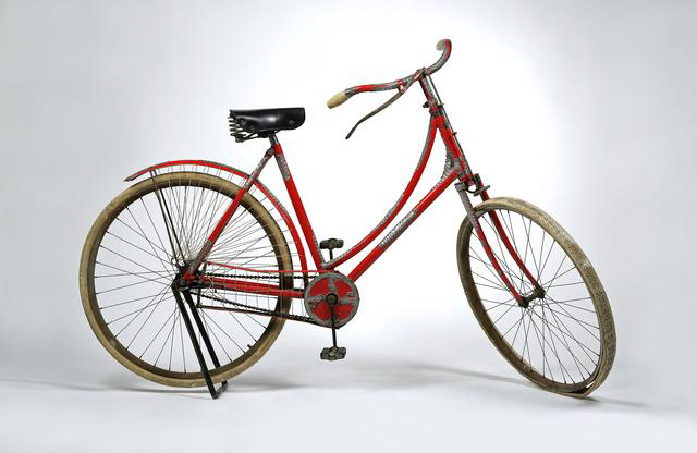 1bfcbe5e5de Tiffany   Co silver-mounted lady s bicycle. TWC10 MostExpensive Tiffanys2