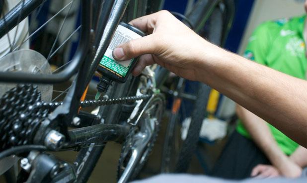 A corrente da bicicleta deve sempre estar bem limpa e lubrificada