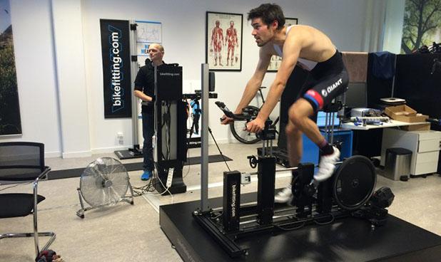 A realização de um bike fit previne dores e a ocorrência de lesões
