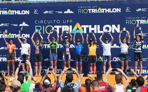 Circuito Uff Rio Triathlon : Pódio da elite feminina no rio triathlon foto